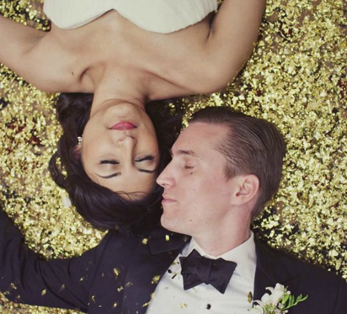 New Year's Eve Wedding Couple with Gold // Labor of Love // Engaged.nl