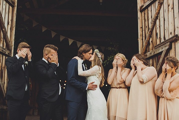 Stoere Jurk Bruiloft.Engaged De Perfecte Outfit Voor Een Bruiloft Alle Do S Don Ts